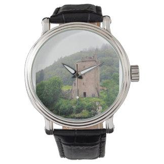ネス湖の城の腕時計 腕時計