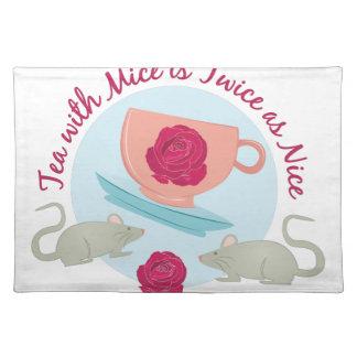 ネズミが付いている茶 ランチョンマット