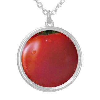 ネックレスのあたりでめっきされるトマトの中型の銀 シルバープレートネックレス