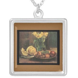 ネックレスルイのコリントりんご、チューリップ、及びブドウ シルバープレートネックレス
