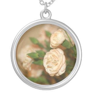 ネックレス花モモのバラ シルバープレートネックレス