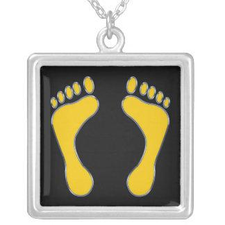 ネックレス黄色い足のデザインの正方形の銀の シルバープレートネックレス
