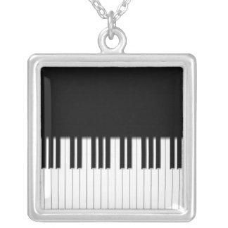 ネックレス-ピアノは白黒を調整します シルバープレートネックレス