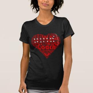 ネットボールのコーチのハートのデザイン Tシャツ