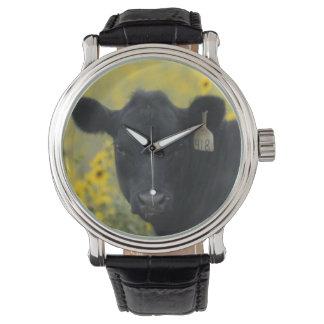 ネブラスカのヒマワリの中の子牛 腕時計