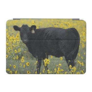 ネブラスカのヒマワリの中の子牛 iPad MINIカバー