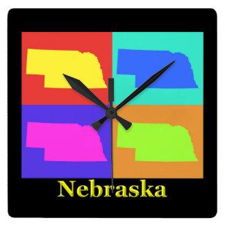 ネブラスカのポップアートの地図のカラフルな州 スクエア壁時計