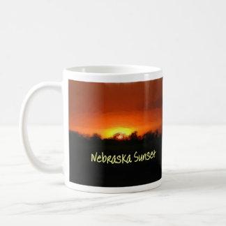 ネブラスカの日没 コーヒーマグカップ