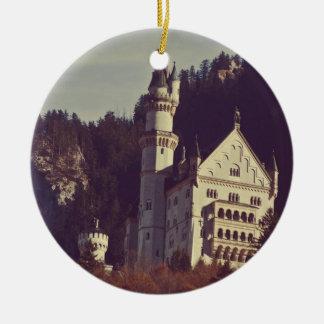 ノイシュヴァンシュタイン城の城のオーナメント 陶器製丸型オーナメント