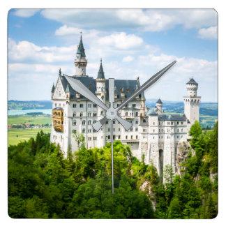 ノイシュヴァンシュタイン城の城の装飾的な写真 スクエア壁時計