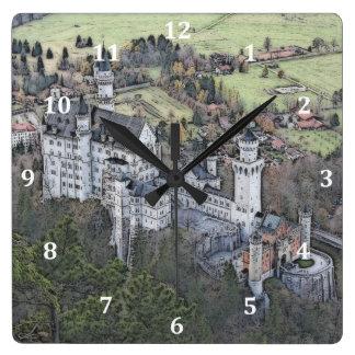 ノイシュヴァンシュタイン城の美しい城(白い数字) スクエア壁時計