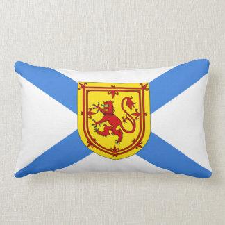 ノバスコシアの旗のプライドの屋内か屋外の枕 ランバークッション