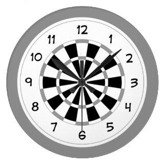 ノベルティのダート盤は柱時計を遊ばします ラージ壁時計