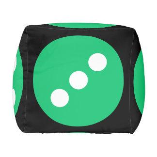 ノベルティの巨大な緑および黒いサイコロ プーフ