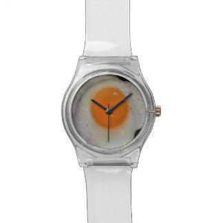 ノベルティの食糧の上の卵焼きの明るい側面 腕時計