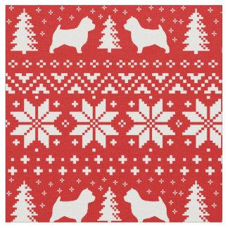 ノリッジテリアはクリスマスパターンのシルエットを描きます ファブリック