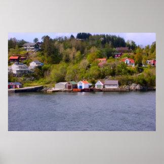 ノルウェーのフィヨルドの頭部の村 ポスター