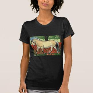 ノルウェーのフィヨルドの馬の芸術 Tシャツ