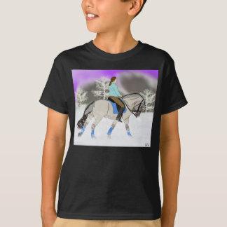 ノルウェーのフィヨルドの馬場馬術の馬 Tシャツ