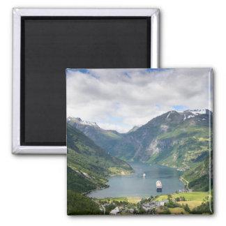 ノルウェーの正方形の磁石のGeirangerfjordの眺め マグネット