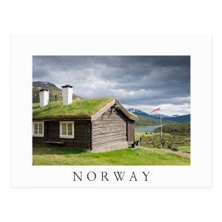 ノルウェーの白い文字の郵便はがきの屋根の丸太小屋を芝を植えて下さい ポストカード