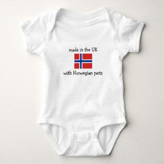 ノルウェーの部品が付いているイギリスで作られる ベビーボディスーツ