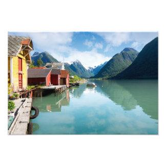 ノルウェーのFjaerlandsfjordのフィヨルドの景色 フォトプリント