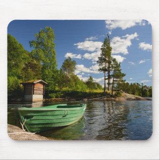 ノルウェーのmousepadのフィヨルドの緑のボート マウスパッド