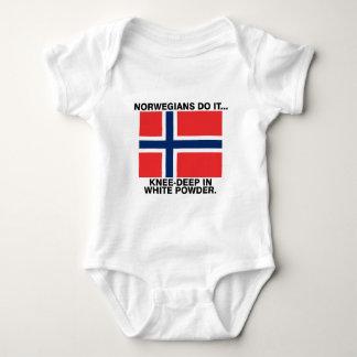 ノルウェー人はしますそれを… 白い粉の膝深い ベビーボディスーツ