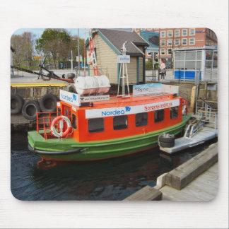 ノルウェー、ベルゲンの水タクシーでの旅行 マウスパッド
