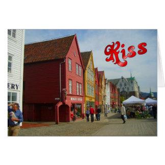 ノルウェー、ベルゲンの水辺地帯の色彩の鮮やかな家 カード