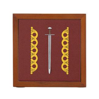ノルマンの剣および装飾的なバンド ペンスタンド