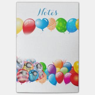ノートのオフィスの家内経営の気球のパーティーの運命 ポストイット