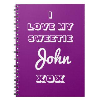 ノートのノートのメモ帳はあなた自身の名前を加えます ノートブック