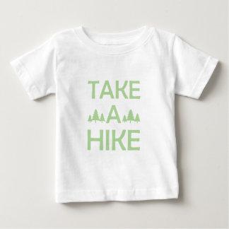 ハイキングを取って下さい ベビーTシャツ