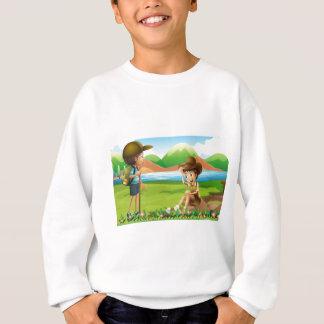ハイキング スウェットシャツ
