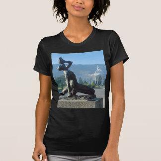 ハイチの地震のレリーフ、浮き彫り Tシャツ