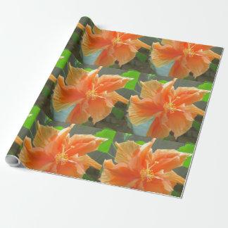 ハイビスカスのオレンジの花 ラッピングペーパー