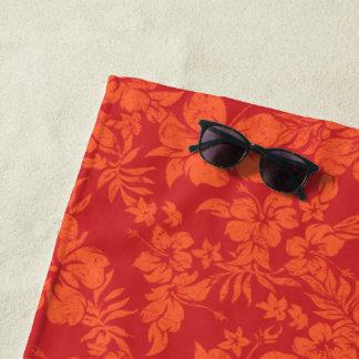 ハイビスカスのPareauの動揺してなハワイの花の赤 ビーチタオル