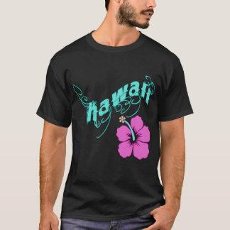 ハイビスカスプロダクトが付いているハワイ Tシャツ
