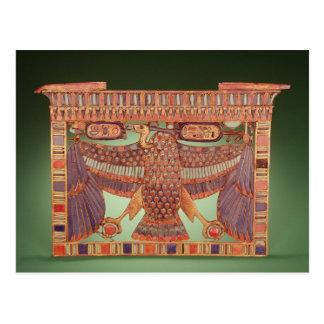 ハゲタカと飾られるパイロンの胸 ポストカード
