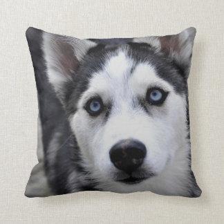 ハスキーな子犬の枕 クッション