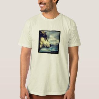 ハスキーな犬のTシャツ Tシャツ