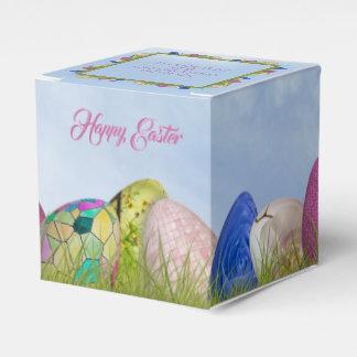 ハッピーイースター-飾られた卵の花の写真 フェイバーボックス