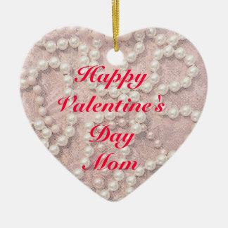 ハッピーバレンタインデーのお母さんはハートのオーナメントを真珠で飾ります セラミックオーナメント