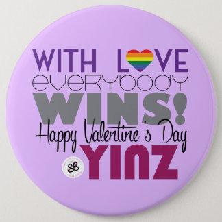 ハッピーバレンタインデーのYinzの虹メガボタンPin 缶バッジ