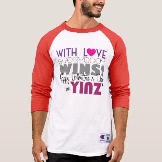ハッピーバレンタインデーのYinzの野球のティー Tシャツ