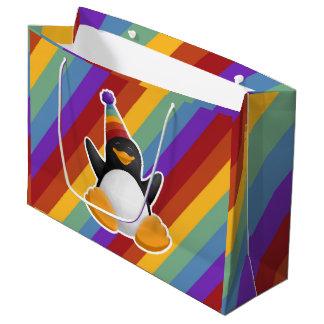 ハッピーバースデーのペンギンの虹のギフトバッグ ラージペーパーバッグ