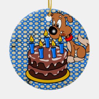 ハッピーバースデーの子犬およびケーキのオーナメント セラミックオーナメント