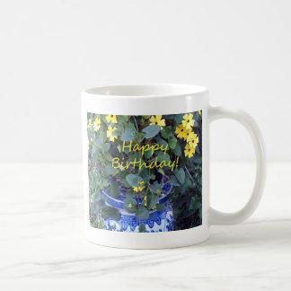 ハッピーバースデーの青く黄色いつる植物の青のヤナギ コーヒーマグカップ